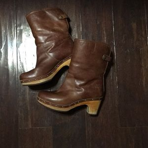 Ugg leather and shearling clogs. Sz 6